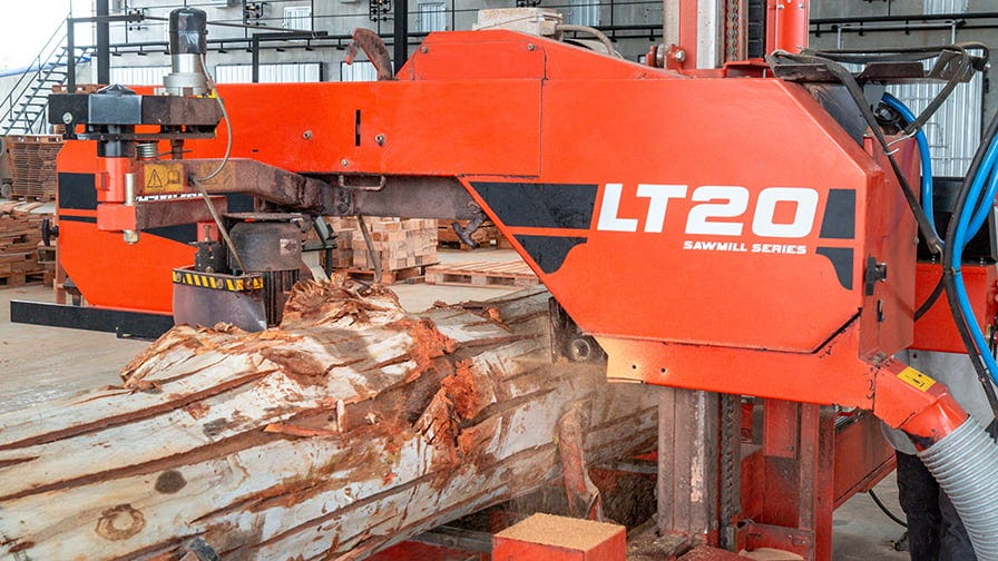 The LT20 has computer setworks and hydraulic log handing to minimize operator labour.