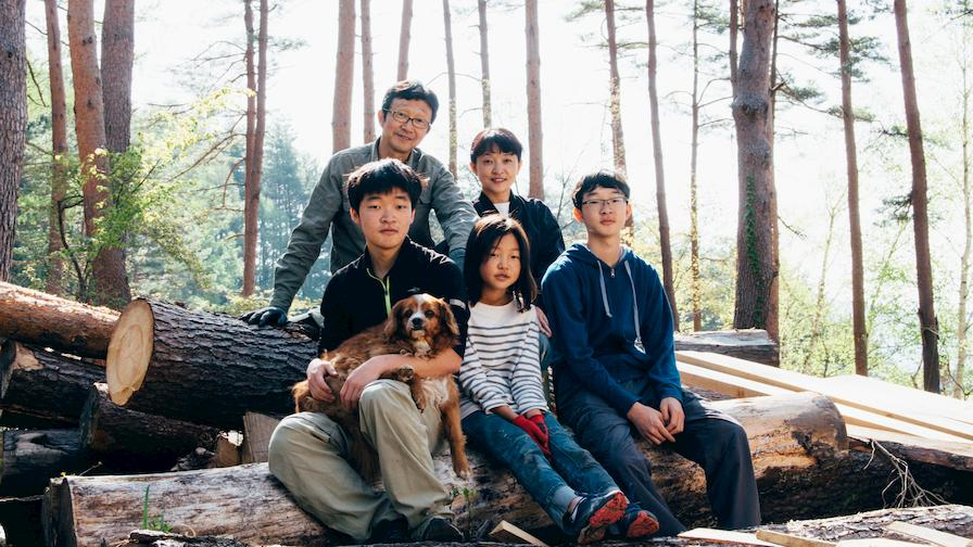 Tak Yoshino and family